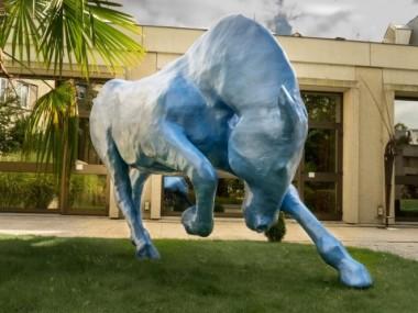saone de stalh – sculpture – cheval resine