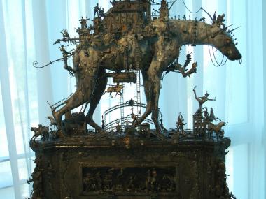 Kris Kuksi –  The Prague parade opus1 – sculpture