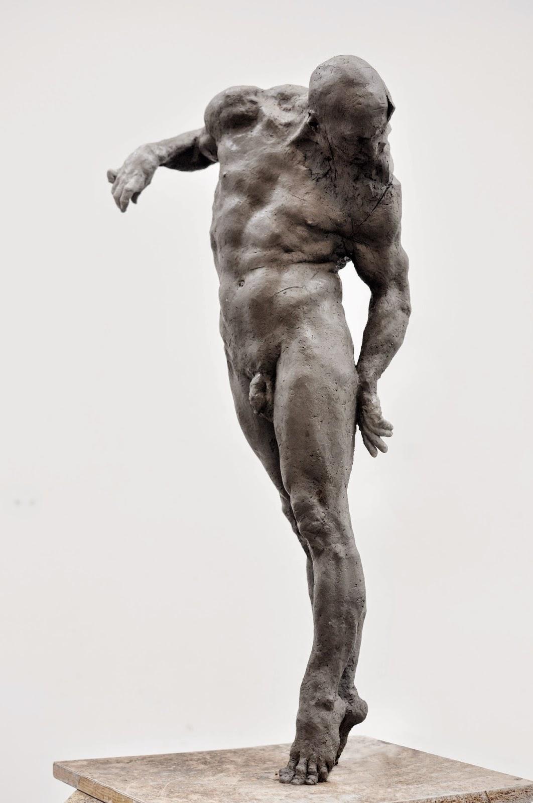 Grzegorz Gwiazda – flightless sculpture