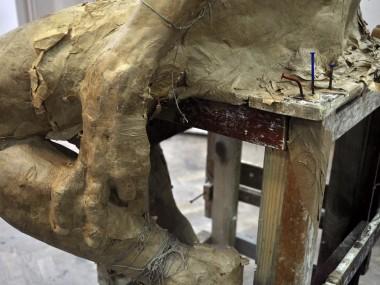 Grzegorz Gwiazda – heretyk sculpture details