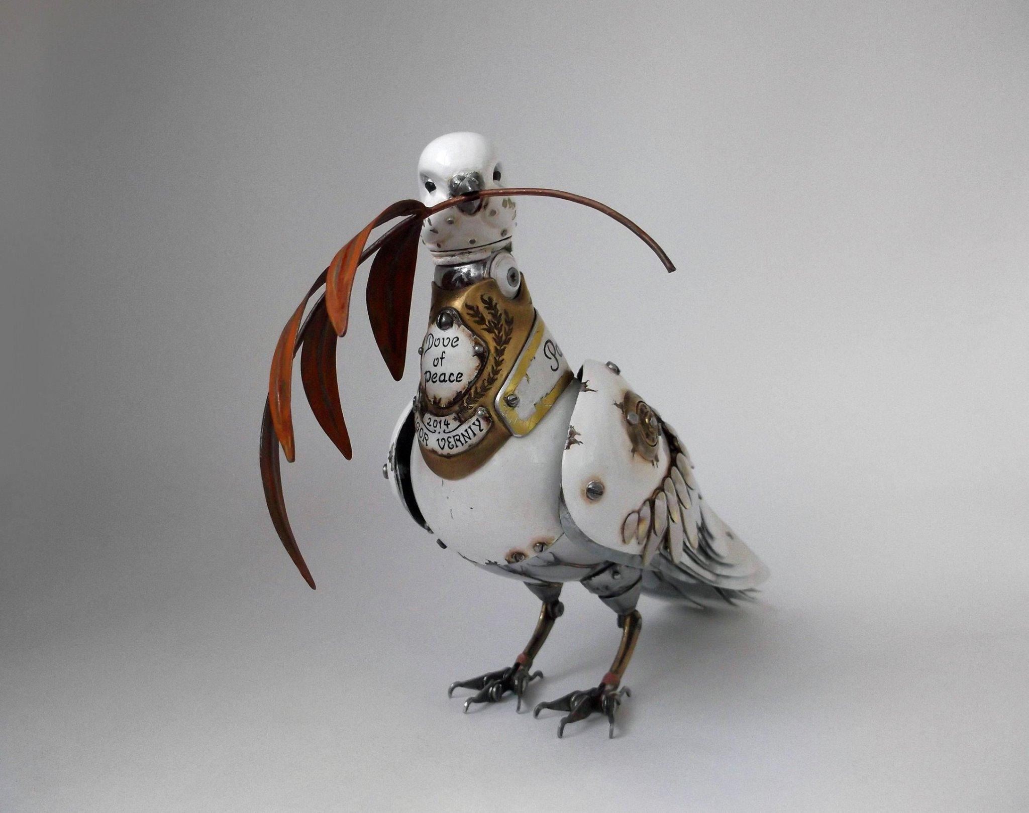 Steampunk sculptures – Igor Verniy – tourterelle
