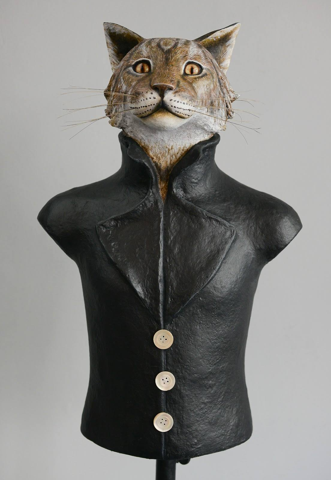 Mélanie Bourlon – Papier maché sculptures chat