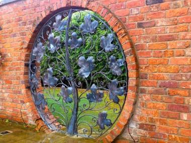 David Freedman – Round gates Metal Sculptures