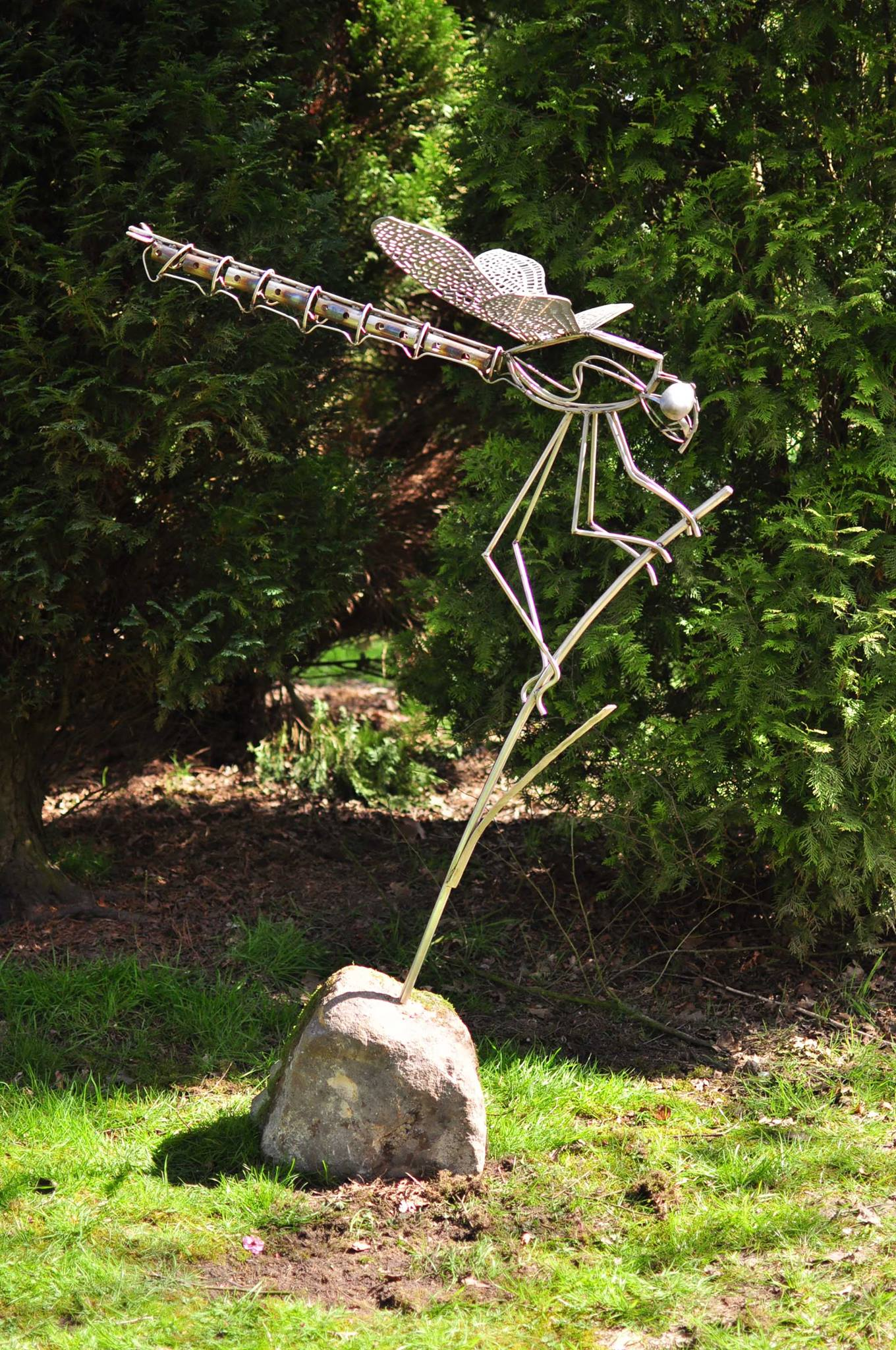 David Freedman – Stainless steel dragonfly sculpture