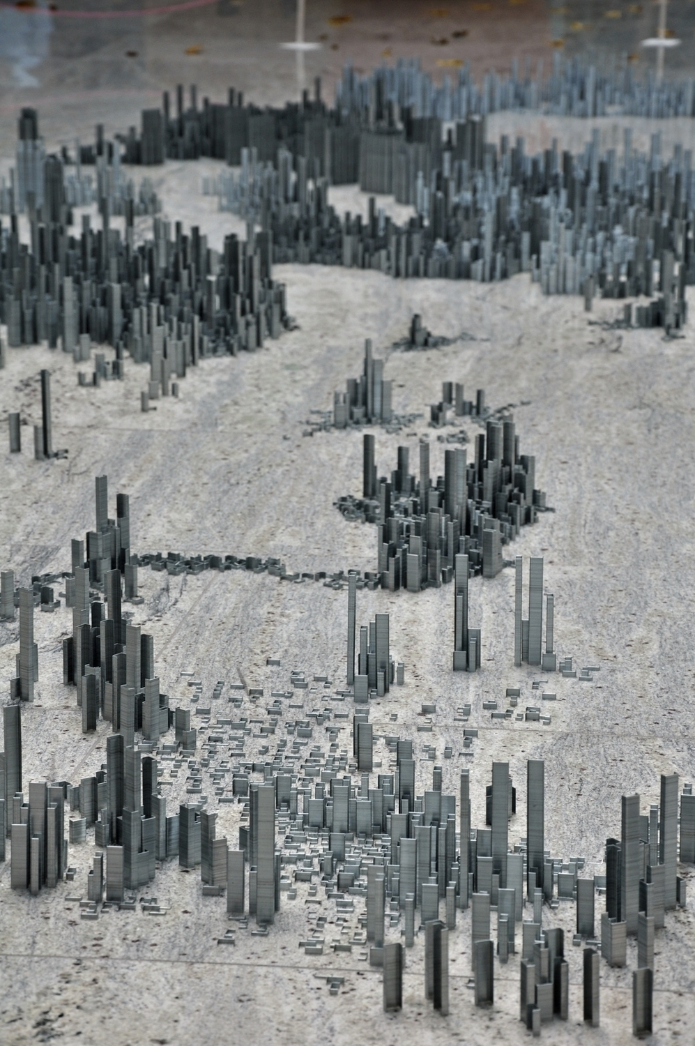 Peter Root – 100,000 staples City installation