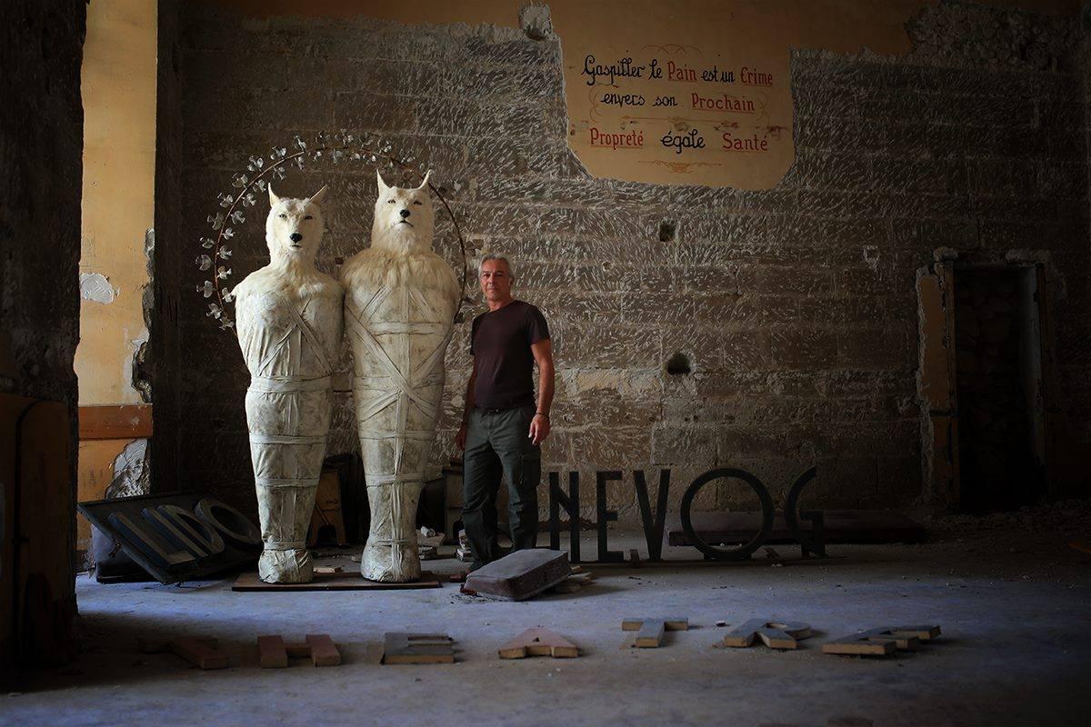 Pierre Sgamma – sculptures – les loups blancs