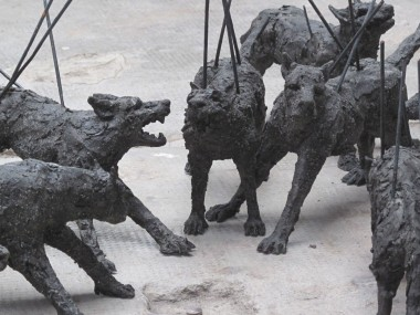 "Monica Mariniello – Sculptures ""La meute"""