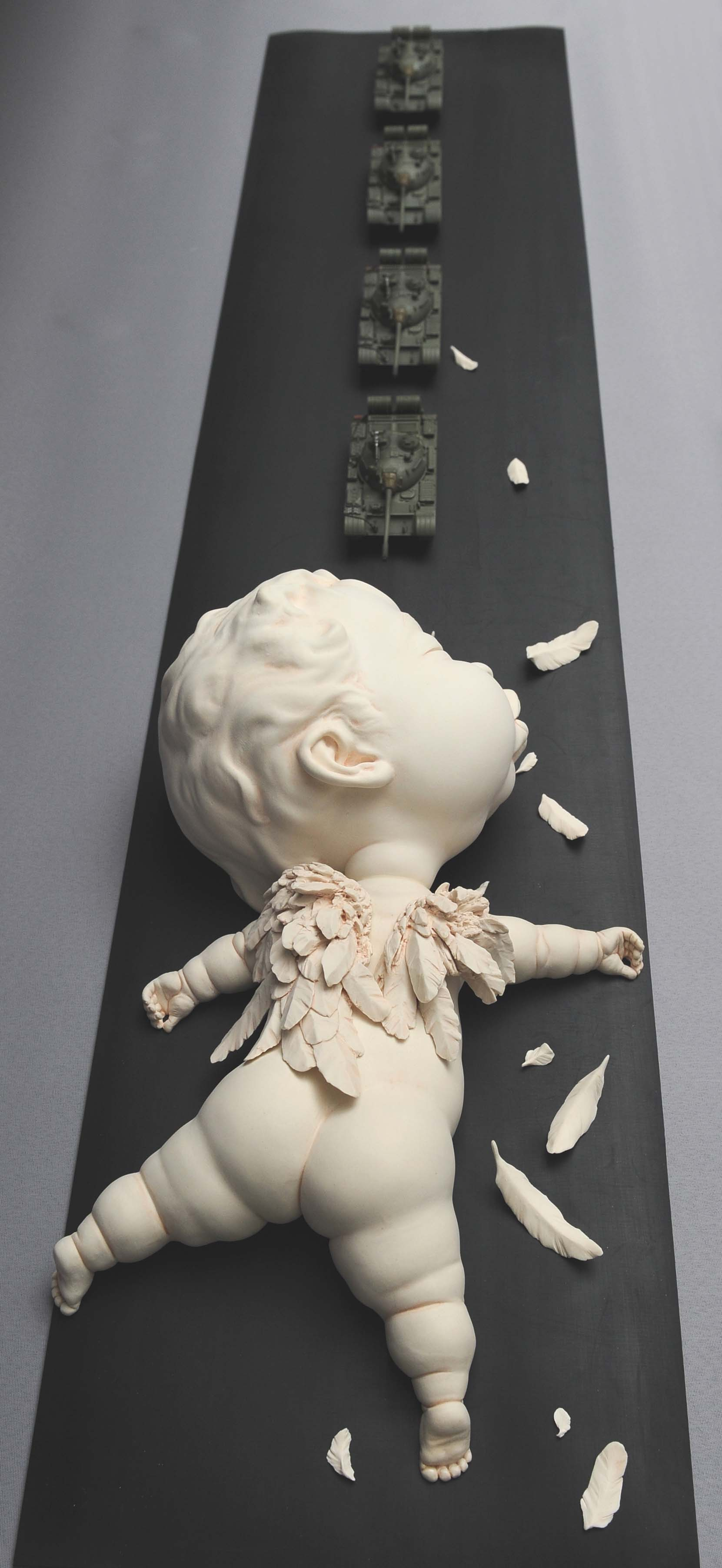 "Johnson Tsang – Sculpture ""Guardians' Fall"""