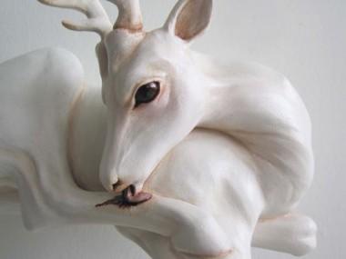 Christy Langer – Sculpture Lick – resin, fibreglass, oil paint 16.5 x 24.5 x 19 cm, 2010