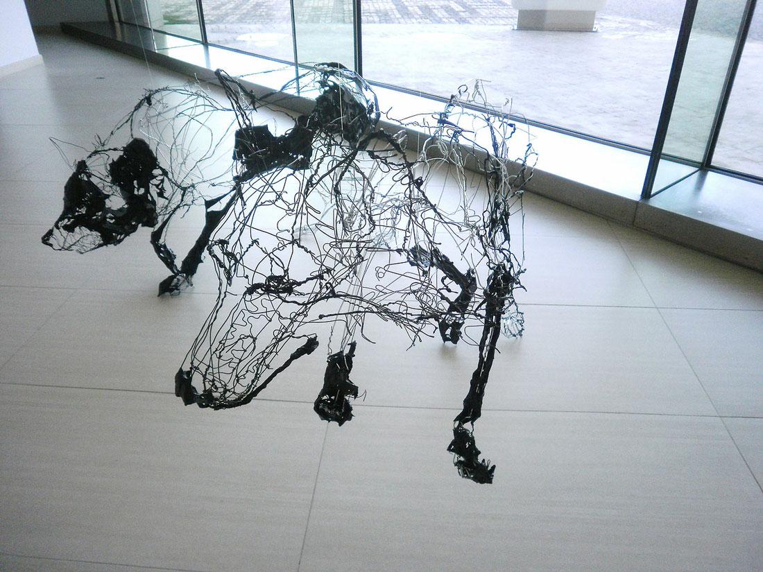 David oliveira wire sculptures blog graphiste for Dog wire art