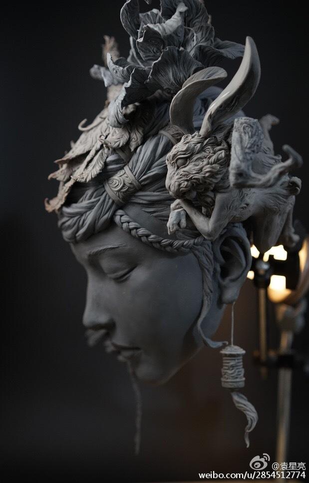 Yuanxing Liang - Sculptures