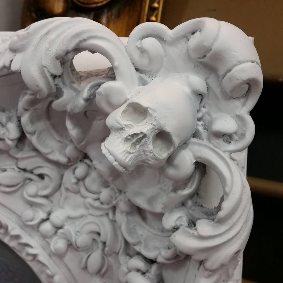 Cam Rackam – Sculptures – Red Winter frame corner