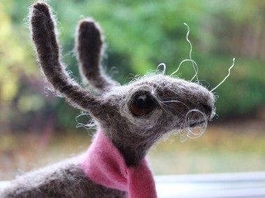 Dee McCracken – wool bunny sculpture