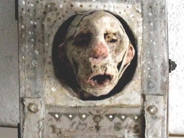 """Stroff Denis – Sculptures mixed media – """"Indoor Secret"""" 2014 – Mixed media"""