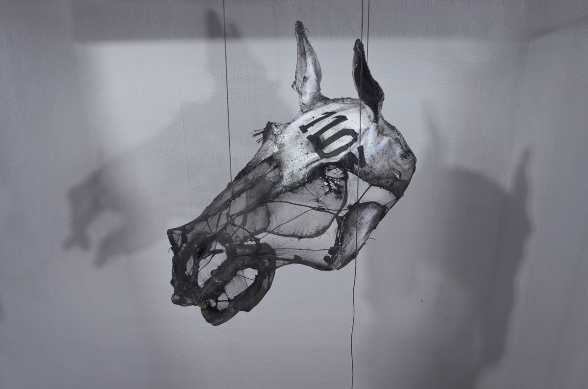 Eglantine Bacro – Textile sculpture horse head