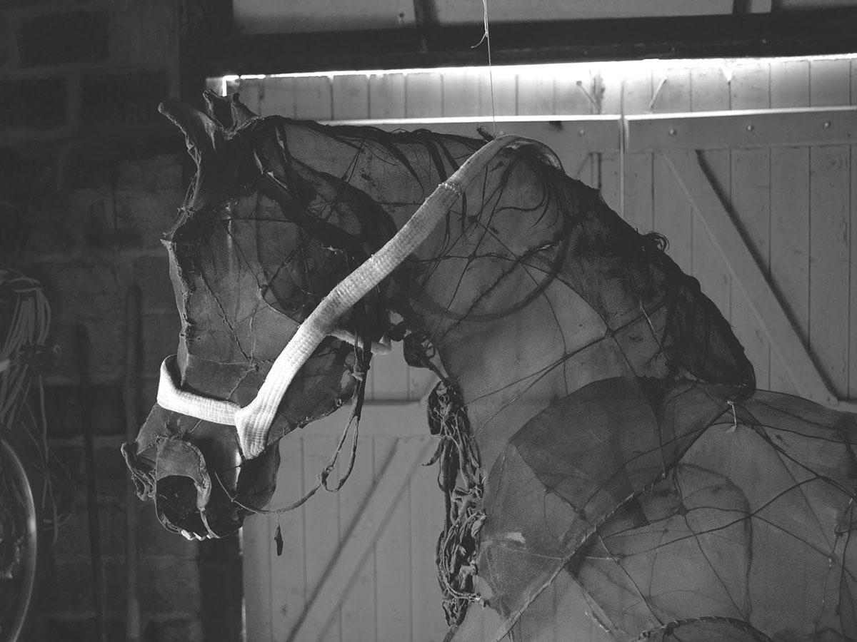 Eglantine Bacro – Textile sculpture horse