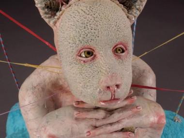 Magda Gluszek Art – Keeping It Together, 2012, stoneware, glaze, fabric, wire, ribbon