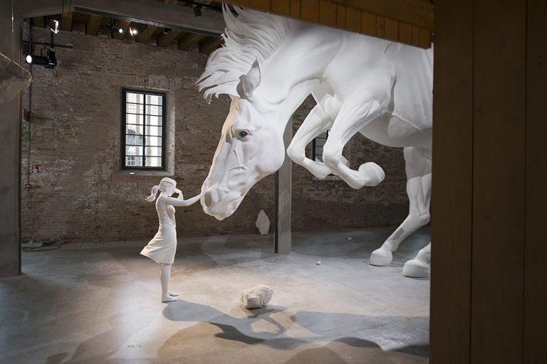 The horse Problem – Claudia Fontes sculpture Biennale de venise 2017