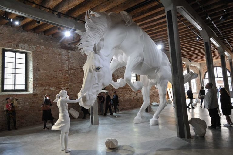 The horse Problem – Claudia Fontes sculpture Biennale de venise 2017
