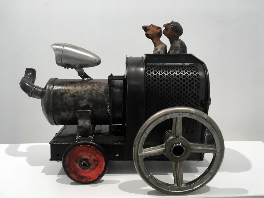 Yannis Lagresle Sculptures – Le train – terre et métal – récup 50x30x35 cm