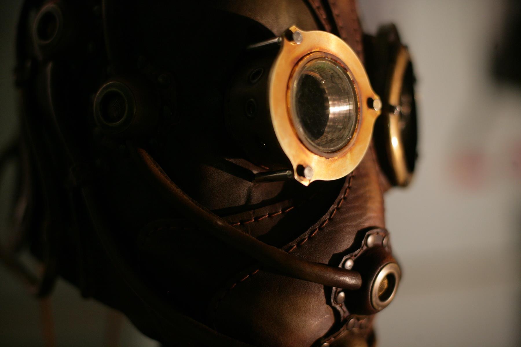 Bob Basset – Sculpture art leather mask