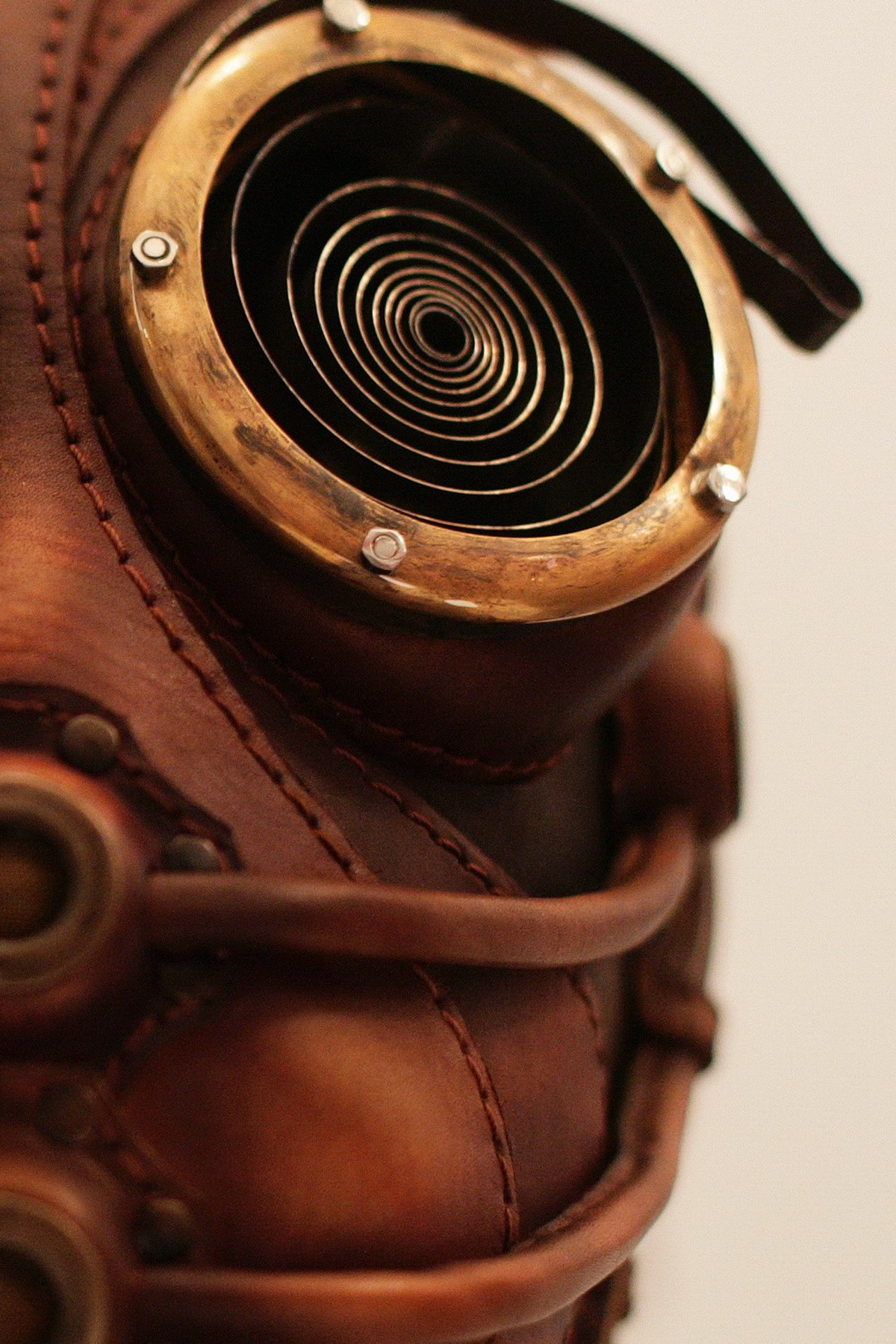 Bob Basset – Sculpture art leather mask