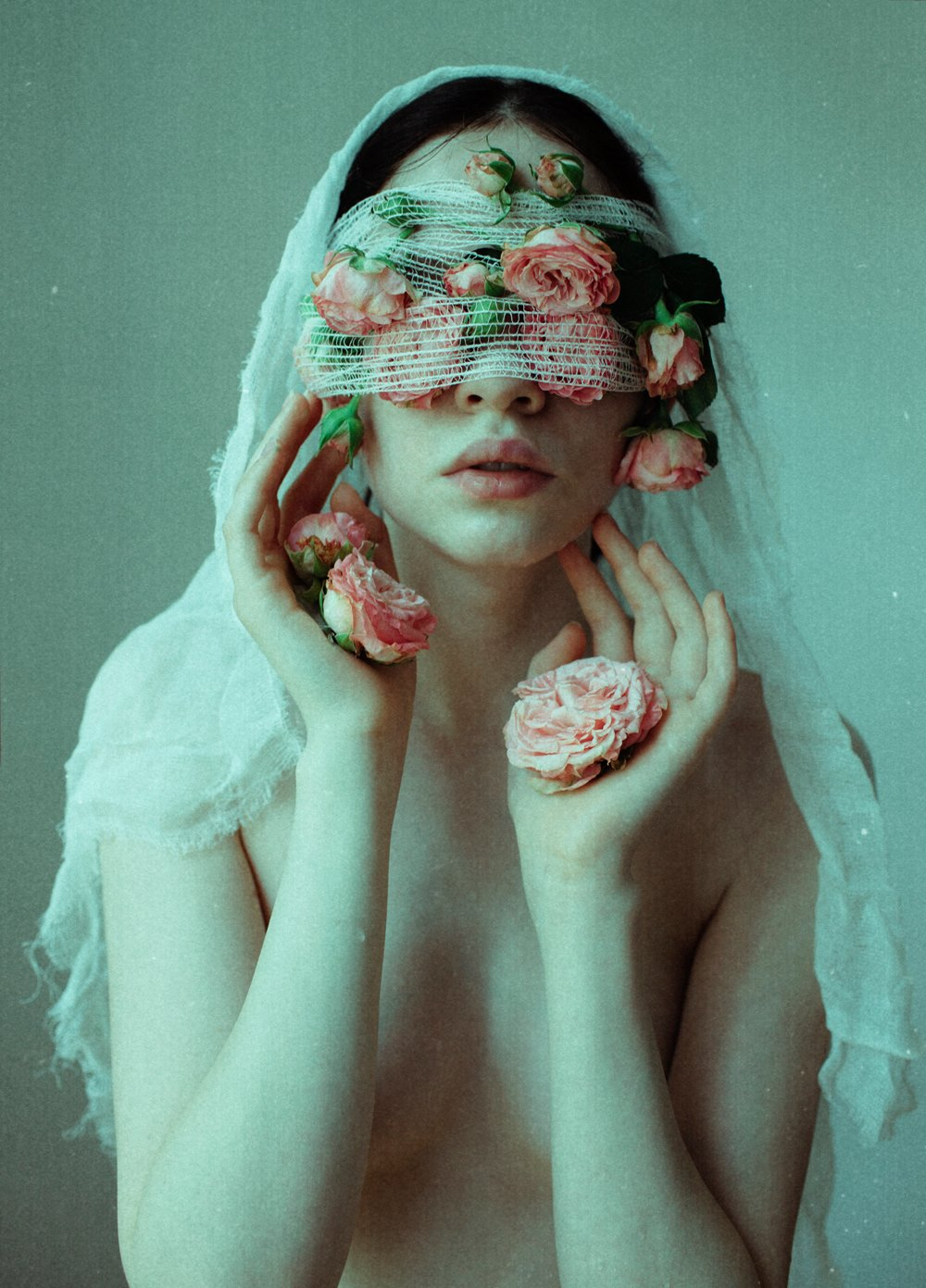 Laura Makabresku – Mystic photography – The Suffering