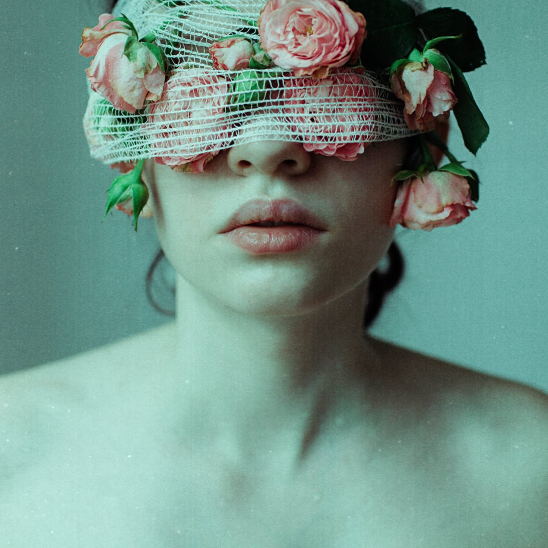 Laura Makabresku - Mystic photography - The Suffering