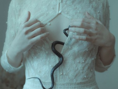 "Laura Makabresku photography ""Temptation"""