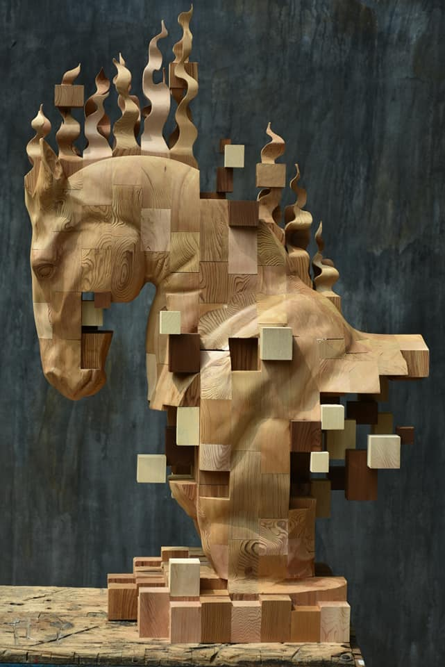 Hsu Tung Han - Wood horse sculpture
